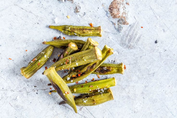 Here is how to make crispy roasted okra (baked okra) - perfect as a unique starter, snack or for a summer barbeque. African recipe. recipesfromapantry.com