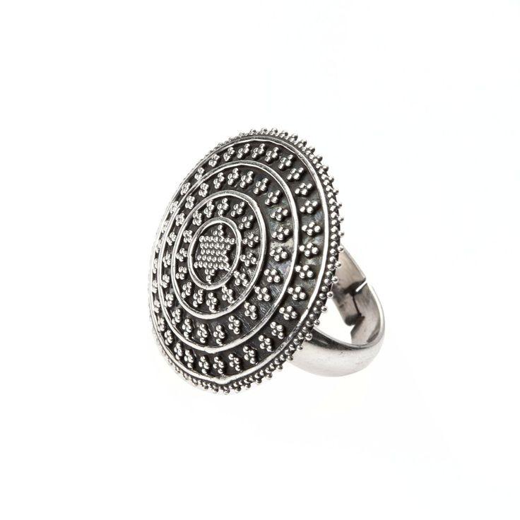 Inel rotund mic, cer înstelat, argint, India
