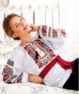 c7c45d5aa0bb7b Жіноча вишиванка Катерина | Современная вышивка | Polish embroidery ...