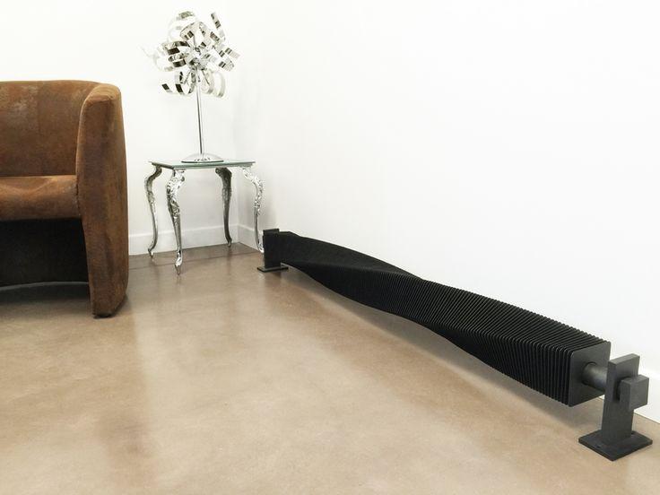 Le radiateur design VD 4646 est un radiateur design à ailette torsadé de style industriel. Il est possible de ...