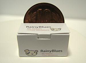 ~ミニチュア雑貨 Rainy Blues ~(食べ物 ロールケーキ用長方形の横開きなケーキの箱)