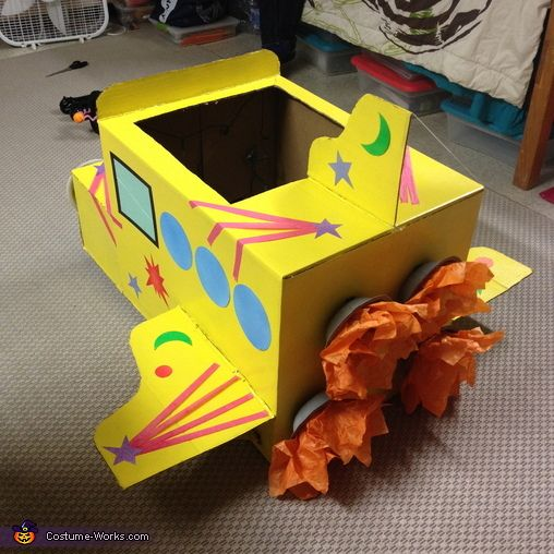 Ms.Frizzle and The Magic School Bus - Halloween Costume Contest via @costume_works cardboard