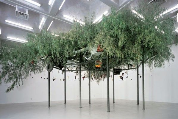 Chen Zhen, Fu Dao/Fu Dao, Upside-down Buddha/Arrival at Good Fortune, 1997, metal, bamboo, Buddha Statues, found objects, 350 x 800 x 550 cm (about).