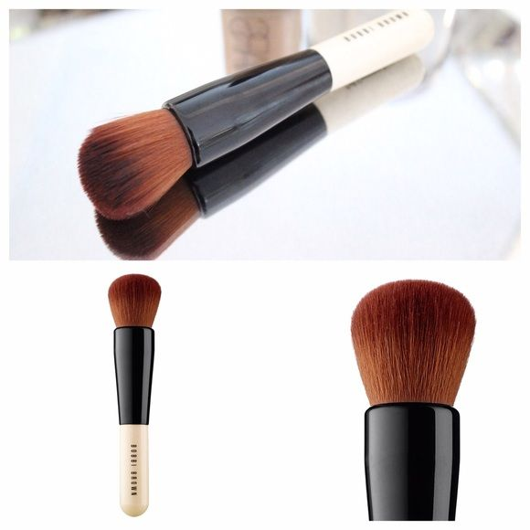 """NEW  AUTHENTIC Bobbi Brown Full Coverage Brush BRAND NEW✨ Still has hard plastic covering on tip of brush head. Want a flawless, full-coverage look? Created for Bobbi Brown's Retouching Powder—but suitable for all of Bobbi's powder formulas—the short, tightly packed bristles of this brush effortlessly cut shine and deliver just the right amount of formula for an ultra-polished """"HD"""" finish. Plus, this brush can be used both dry and damp with liquid foundations. Bobbi Brown Makeup Brushes…"""
