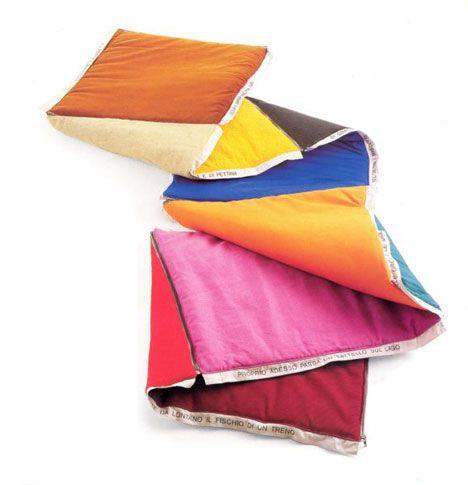 Libro letto(Bed Book), 1993  6 cuscini di materiali diversi, 70x70cm, Produzione Interflex  Collezione Marco Ferrani, Milano
