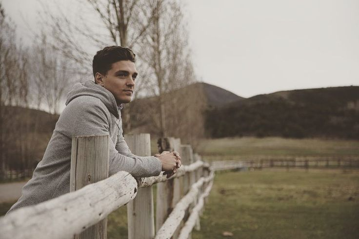 """Dean Unglert: 'The Bachelorette' footage of my family visit could've been worse the editing spared our emotions Dean Unglert is reflecting back on his """"raw real and cathartic"""" hometown date with Rachel Lindsay on The Bachelorette revealing that the editing of his family visit was actually flattering. #TheBachelorette #Bachelorette"""