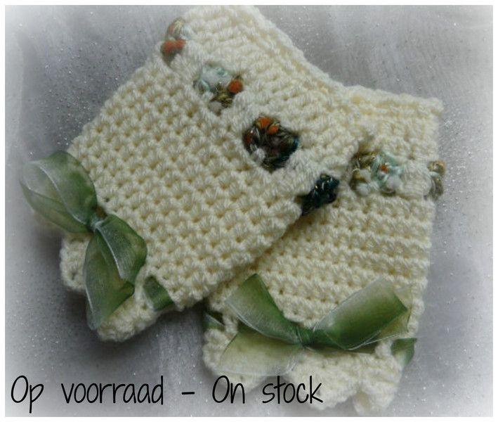 Gebreide & gehaakte schoenen - Gehaakte Set Baby  Beenwarmers 0 - 6 maanden - Een uniek product van KnitsforKids op DaWanda