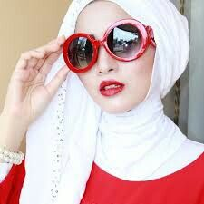 Muslimah in red