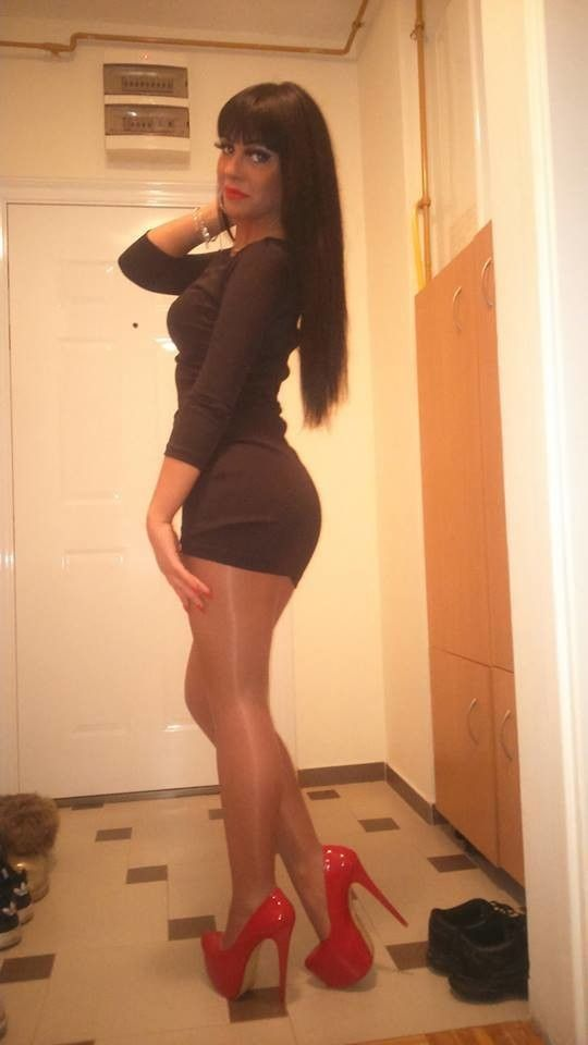 Best.. when pretty trannies with great legs should