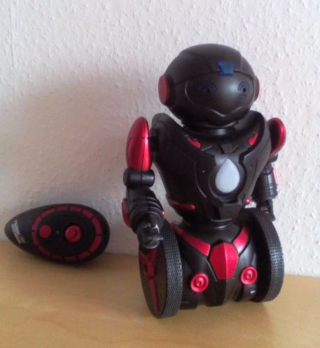 ferngesteuerter Balance Roboter von ThinkGizmos  Meinen Testbericht findet ihr hier:  https://linasophie77.wordpress.com/2016/11/24/ferngesteuerter-balance-roboter-von-thinkgizmos/