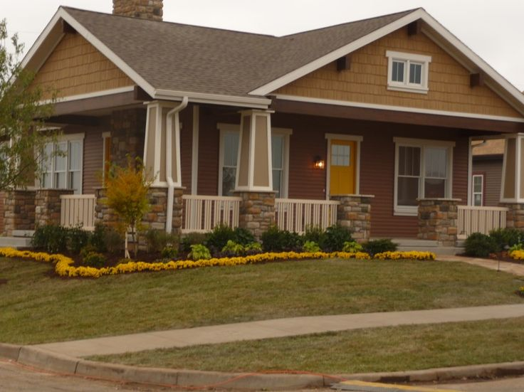 Mission style fencing craftsman style home colors - Craftsman home exterior paint colors ...