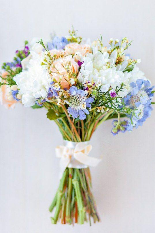 Поиск букет полевых цветов в руках, оптовая база цветов в смоленске на ново-ленинградской