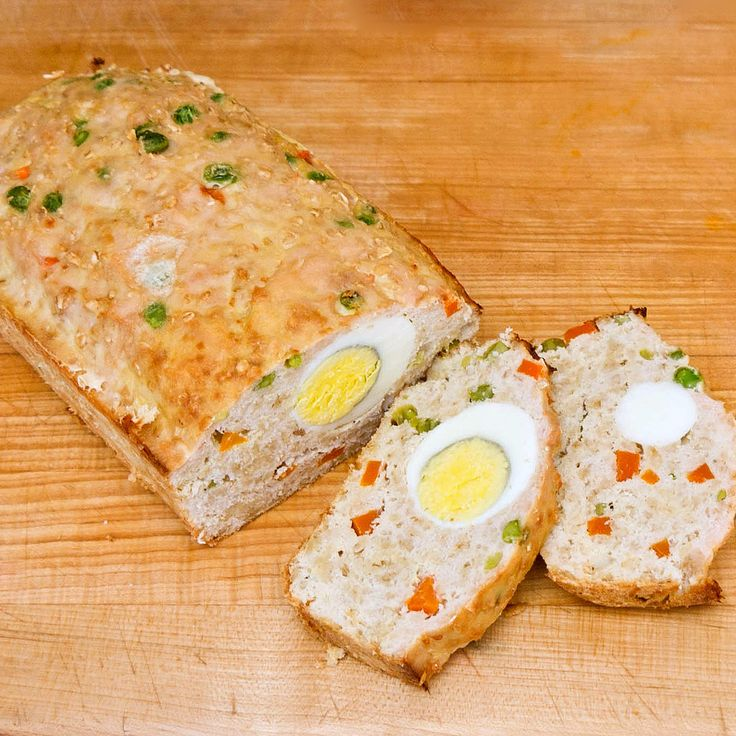 Healthy and Homemade Woof Loaf: Treat your dog or cat to a healthy and homemade dinner that's filled with tasty goodness.