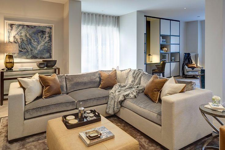 9 Neutral Modern Sofas In Elegant Interiors By Rachel Winham | Living Room Set. Sectional Sofa. #modernsofas #sectionalsofa #livingroomideas Read more: http://modernsofas.eu/2016/11/07/neutral-modern-sofas-elegant-interiors-rachel-winham/