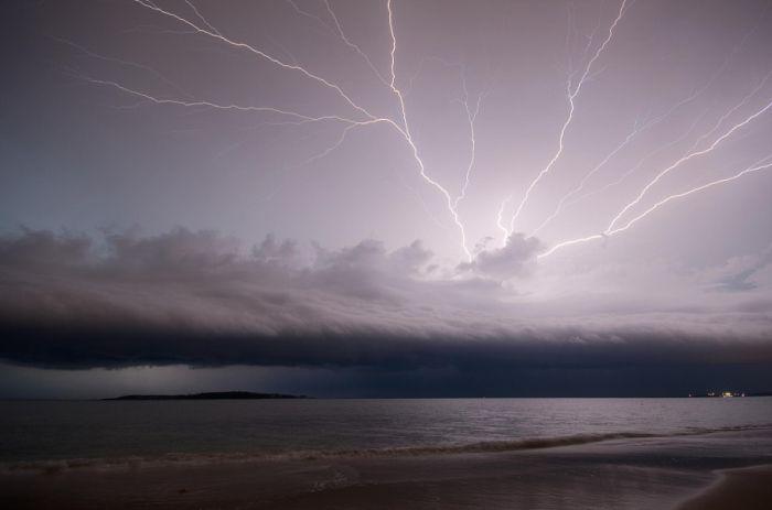 Молнии над Пунта-дель-Эсте. Автор фотографии: Ремко Дума.