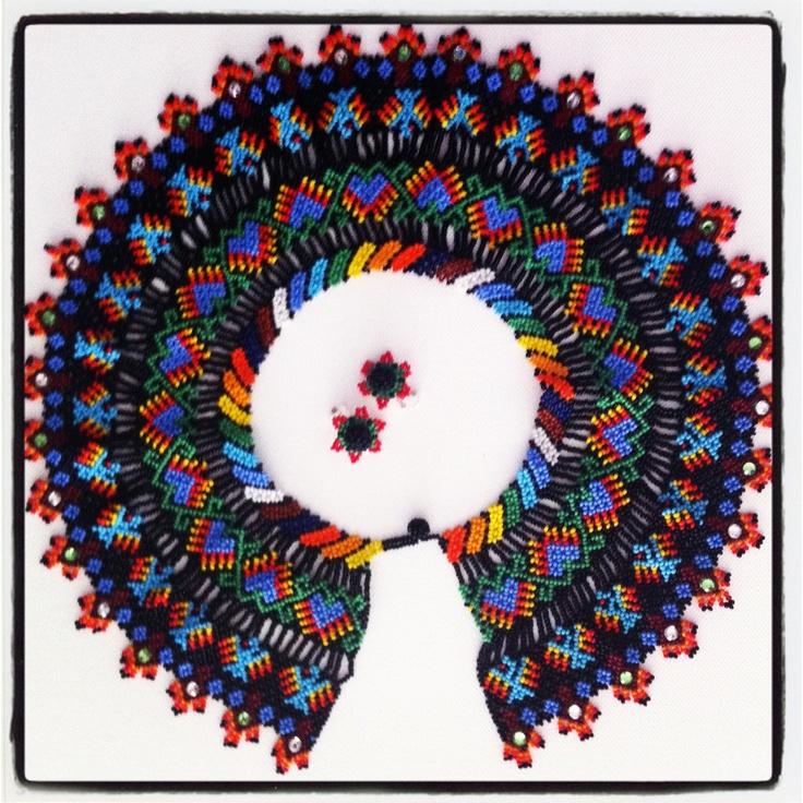 Collar tejido a mano, canutillos y cristales swarovsky. #Necklace #Handmade