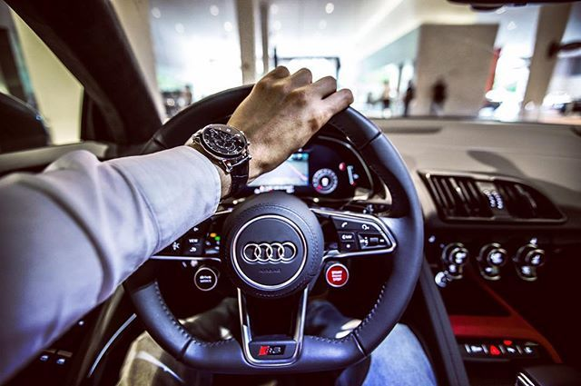 Friday Drive Audi R8 x VR Explorer. #vodrich (:@instaexotics)