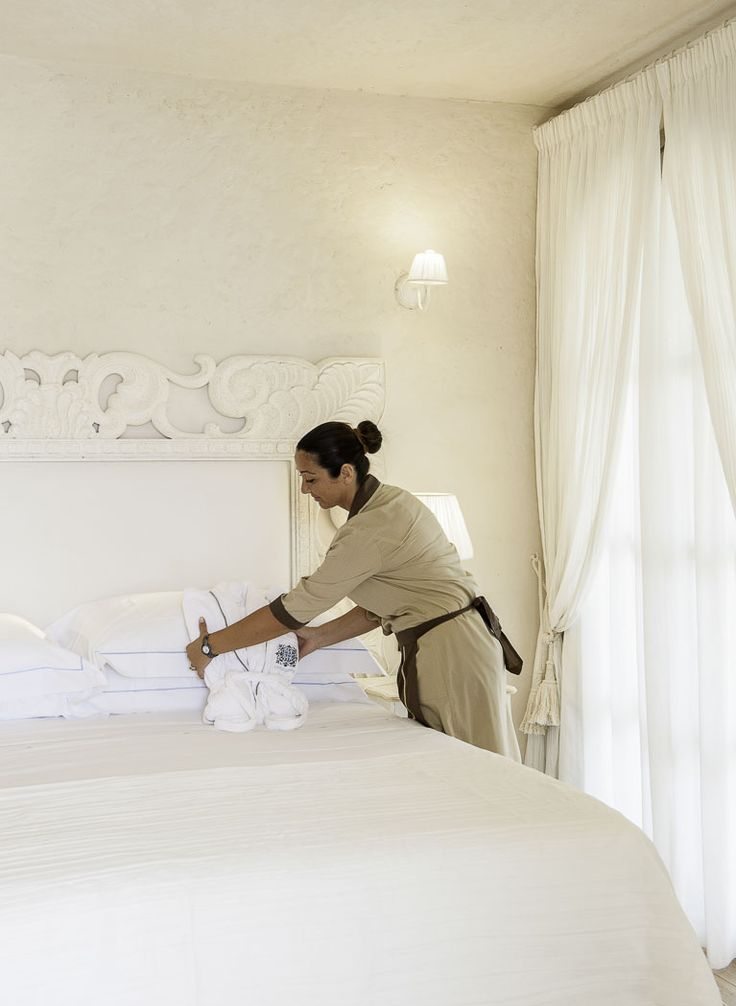 Our lovely #staff taking care of your #room before your arrival!  #lavilladelre #hotel #costarei #sardegna #italy