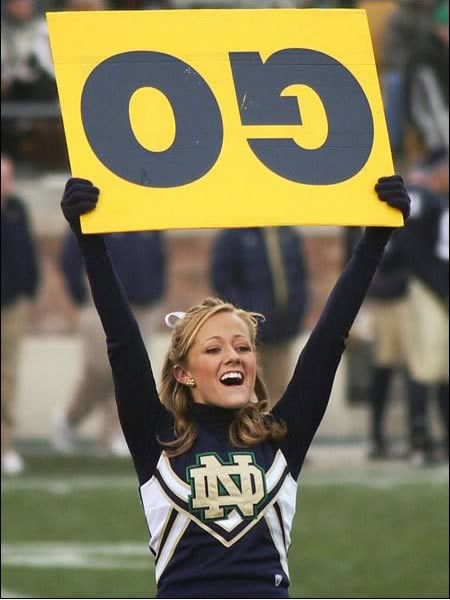 Cheerleader Oops! 15 Embarrassing Moments in Cheerleading - ODDEE
