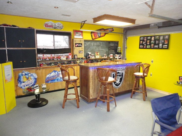 52 best images about man cave on pinterest retro couch for Garage bar designs