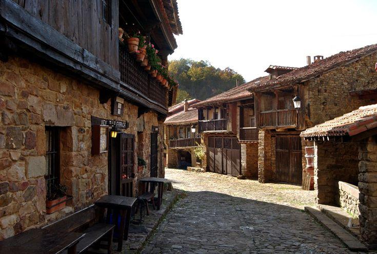 pueblo montanes espana - Google Search