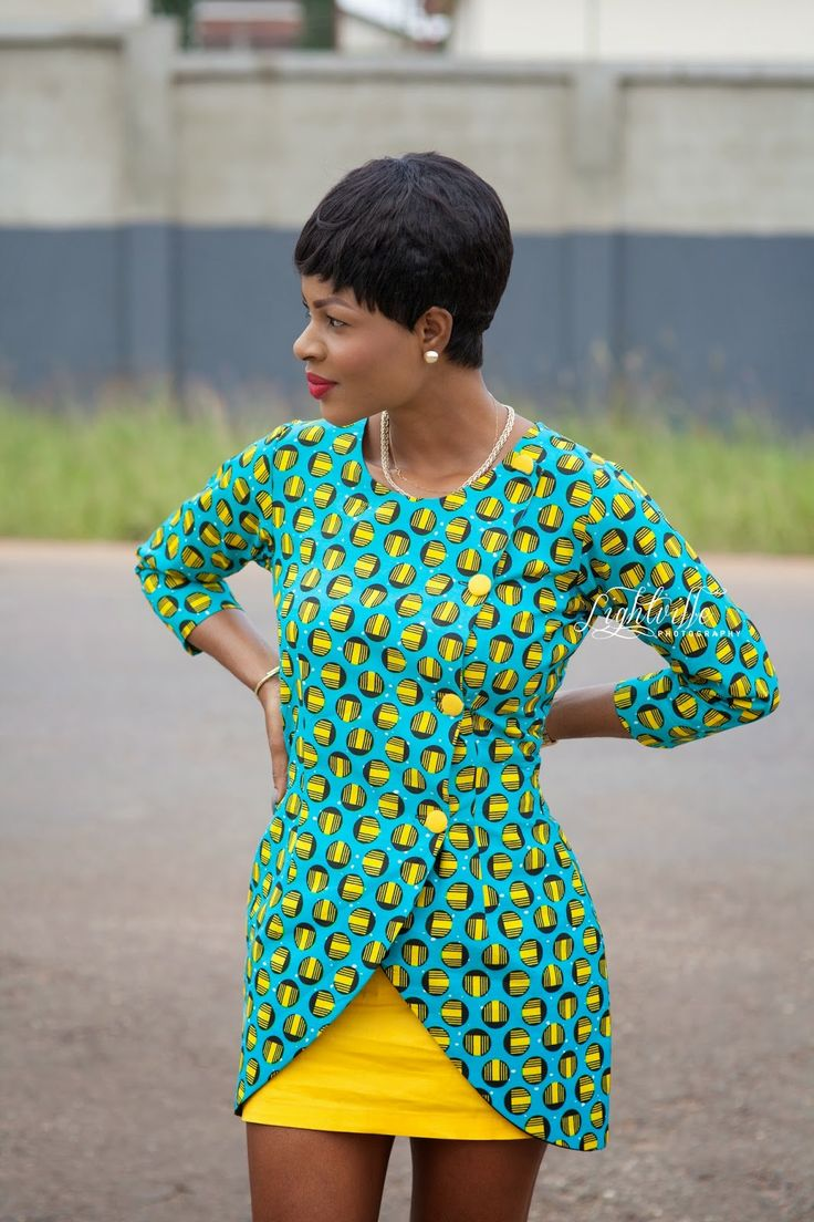 Inspiration - Blazer en pagne par Tracy ~ African Style ~Latest African Fashion, African Prints, African fashion styles, African clothing, Nigerian style, Ghanaian fashion, African women dresses, African Bags, African shoes, Kitenge, Gele, Nigerian fashio