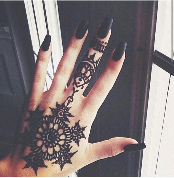 Henna Tattoo Tumblr Ideas: 115 Best Images About Baddie Makeup On Pinterest
