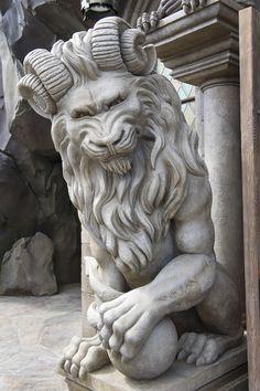 gargoyles on Pinterest | gothic gargoyles, statues and dragon statue