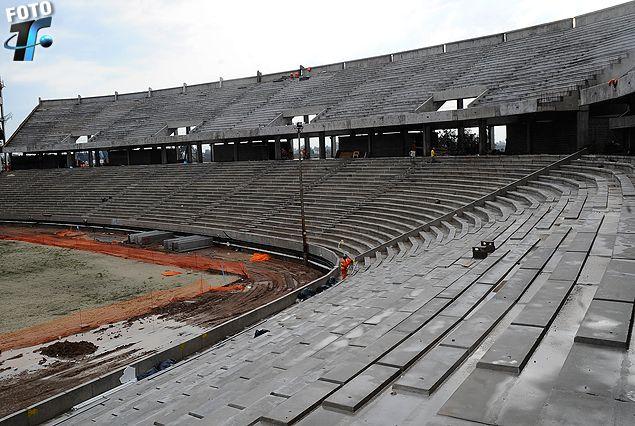 La Tribuna Este del Estadio de Peñarol está pronta, es la cabecera que sería la Colombes en el Centenario.