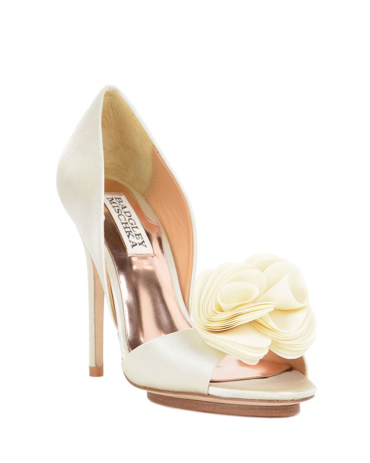 Blossom by Badgley Mischka 179$  В Москве на 2т дороже  http://www.badgley-mischka.ru/?paged=2