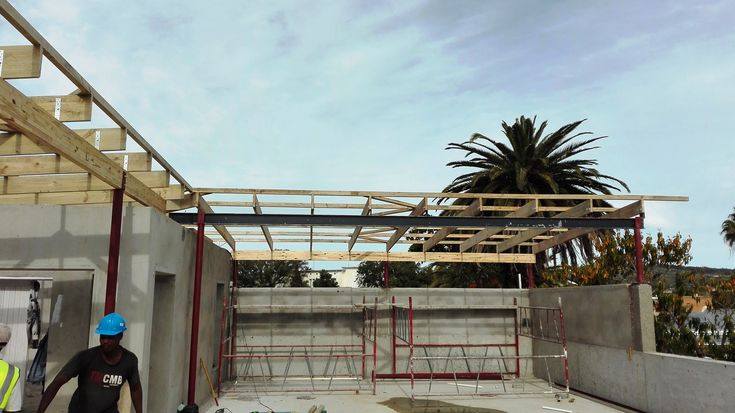 #construction site, roof #truss system erected