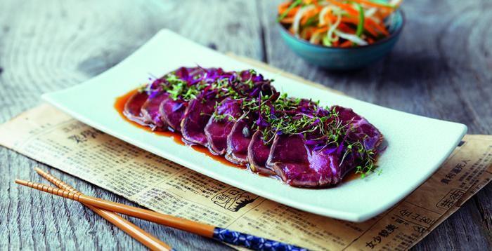 El mirin es un condimento japonés similar al sake, bajo en alcohol. Úsalo con tus carnes y sorpréndete #gastronomía