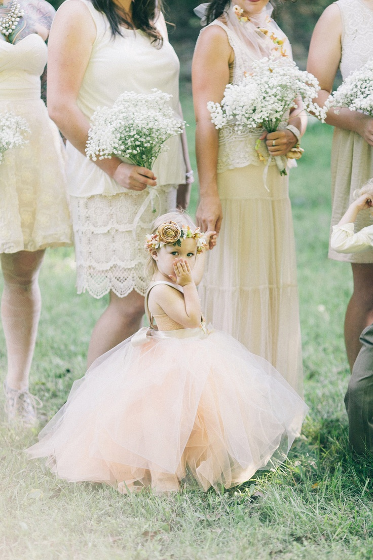 Adore this flower girl #brideside #wedding #details #flowergirl #tutu