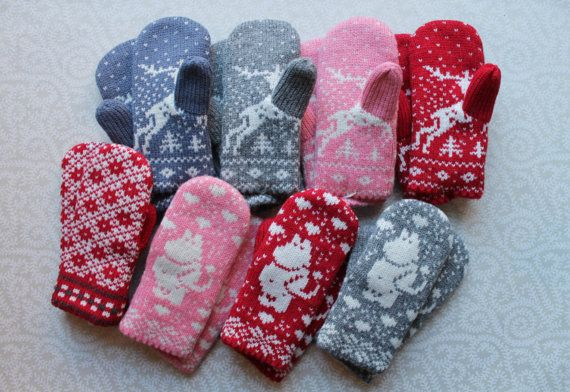 Adorable hand-made children mittens (size 3).