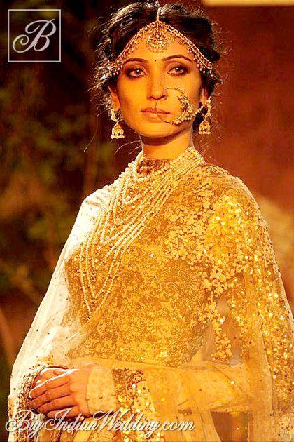 Sabyasachi at Delhi Couture Week 2013