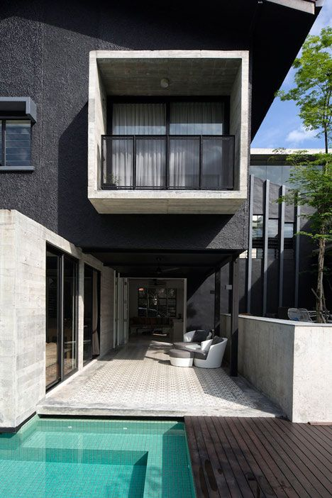 Image 5 Of 15 From Gallery Of The Extended House / Formwerkz Architects.  Photograph By Albert Lim