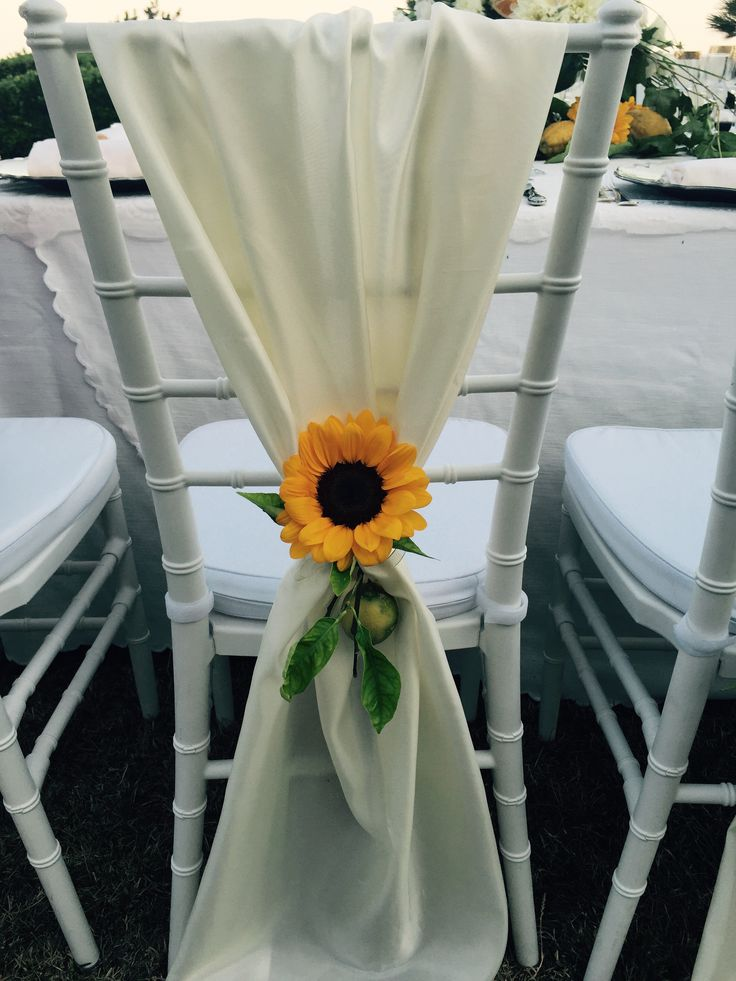sunflower, white cover chair, Sant'Eustachio, Villa Minuta, Scala, White, Yellow and Orange colors, Olga Studio, Sposa Mediterranea, Federica wedding Planner