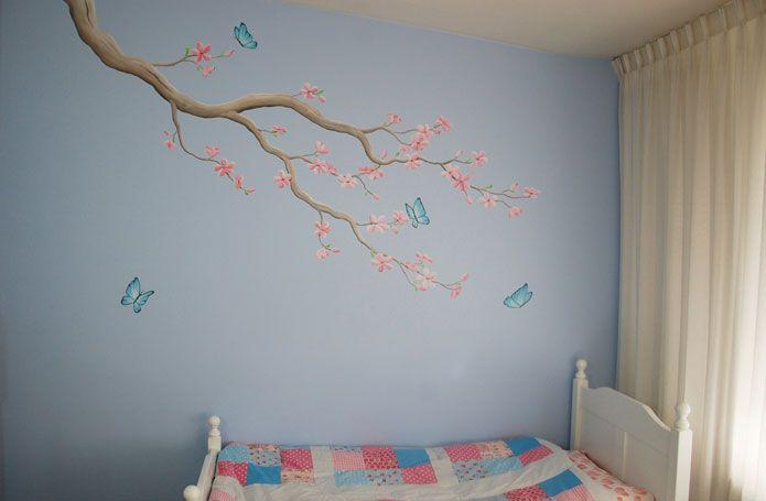 bloesem muurschildering, roze bloesem met vlinders voor in een meisjeskamer. Gemaakt door BIM Muurschildering, bekijk close-ups op de website. blossom flower branch mural painting