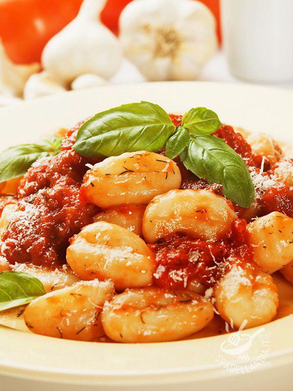 Gnocchi al ragù finto // fake bolognese sauce gnocchi