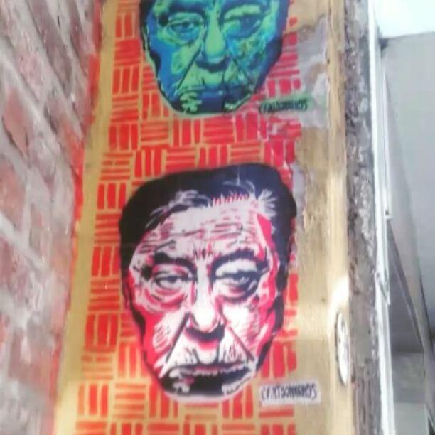 Yupanqui multiplicado en el barrio de Almagro 🎥  #stencil #streetart #BuenosAires #DonAta #folclore #metafísico #atahualpayupanqui #folklore