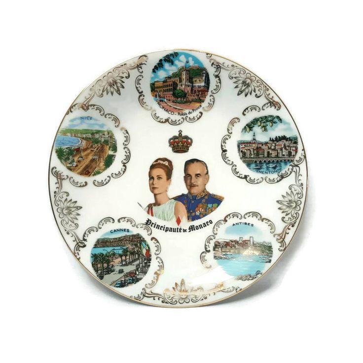 Monaco decoration plate, Prince Rainier and Princess Grace Anniversary , Monte-Carlo souvenir, porcelain plate, 80's #frenchvintage #thefrenchatticbazaar #antics #frenchdecor #vintagekitchen #decorationvintage #frenchdecoration #frenchantics #francevintage #summer #madeinfrance #france #vintage #frenchdeco #vintagedeco #decovintage