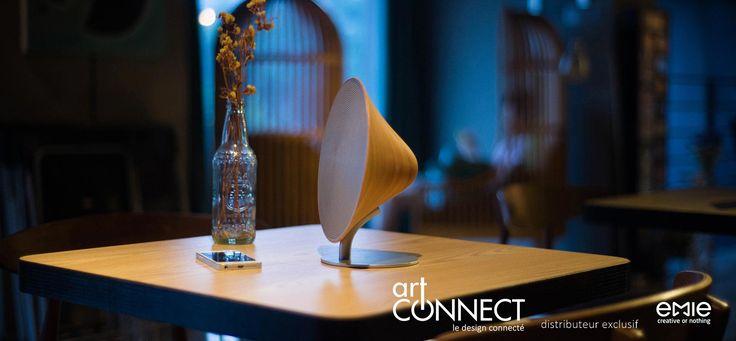 Le Solo One est une enciente Bluetooth moderne magnifiquement conçu pour votre espace intérieur. Il est équipé d'un son surround stéréo, d'un panneau tactile intelligent et d'une connexion Bluetooth et NFC sans fil. Profitez de la musique sans sacrifier le style.