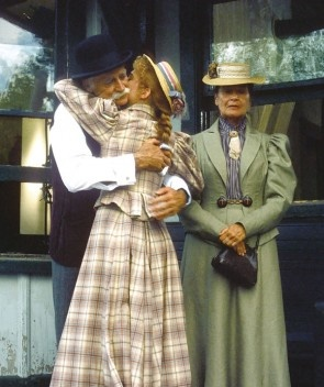 Welcome to AnneofGreenGables.com - Your Source for Anne of Green Gables News, Downloads, Canadiana, Fan Community and More.: