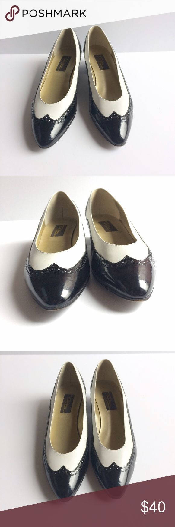 Vintage Sesto Meucci Brogue Pumps Black and White Patent leather Brogue Pumps. 80s Vintage in great vintage condition. Made in Italy with leather soles. Sesto Meucci  Shoes