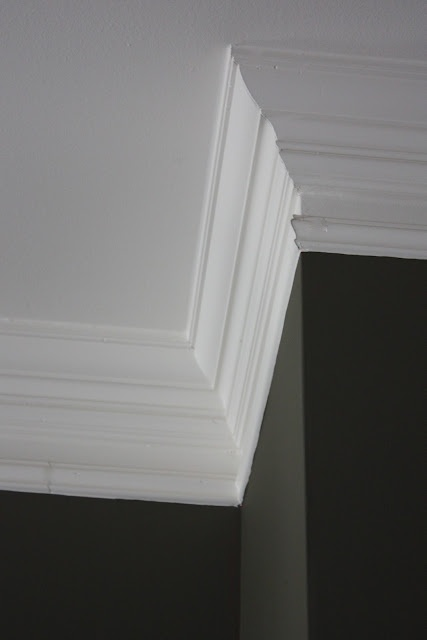 25 best ideas about faux crown moldings on pinterest easy crown molding door molding and. Black Bedroom Furniture Sets. Home Design Ideas