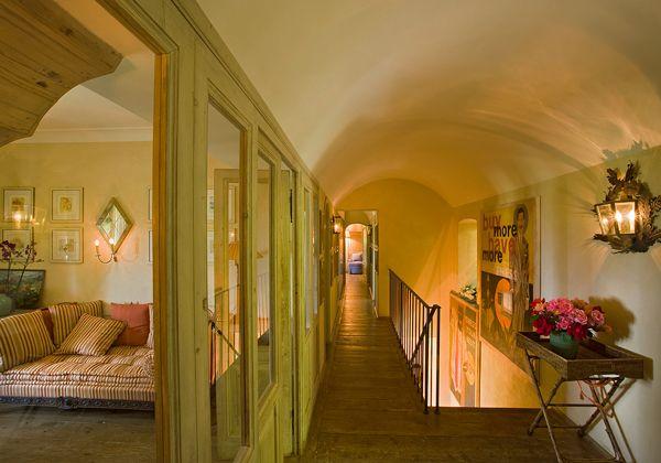 Le 25 migliori idee su pareti del corridoio su pinterest for Piani casa della camera da letto del primo piano