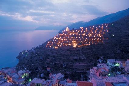 Presepe sulla collina di Manarola, Cinque Terre, Liguria - © Enrico Bottino