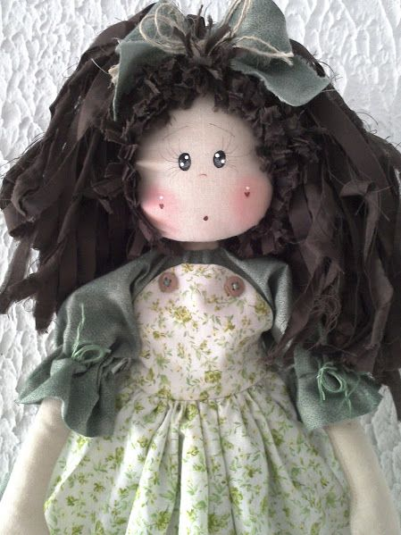 Oi Meninas!!   Como prometi hoje trouxe as bonecas que andei fazendo...                                           Trouxe também fotos da mi...
