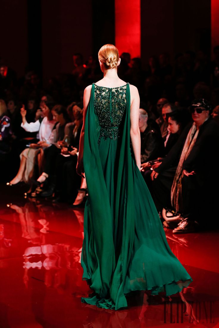 Elie Saab Fall-winter 2013-2014 - Couture - http://www.flip-zone.net/fashion/couture-1/fashion-houses/elie-saab-3997 - ©PixelFormula