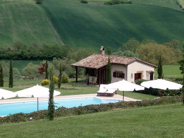 Property for sale in Lazio near Lake Bolsena Italy - Country House > http://www.italianhousesforsale.com/property-italy-viterbo-casale-dolce-collina-1591.html